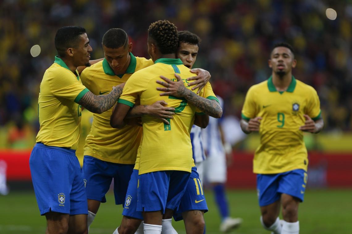 Foi a primeira partida da seleção após o corte de Neymar