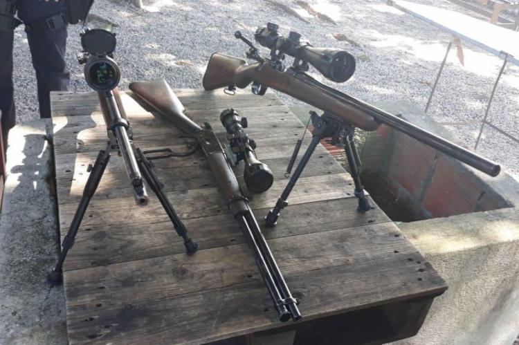 Armas longas foram apreendidas em campus no bairro Pici, em Fortaleza