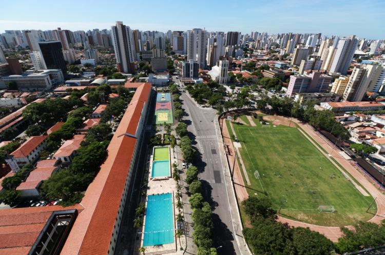 Trecho da Avenida Santos Dumont entre as ruas Dona Leopoldina e Nogueira Acioli é interditado para a construção da Estação Colégio Militar, do metrô, no Bairro Aldeota