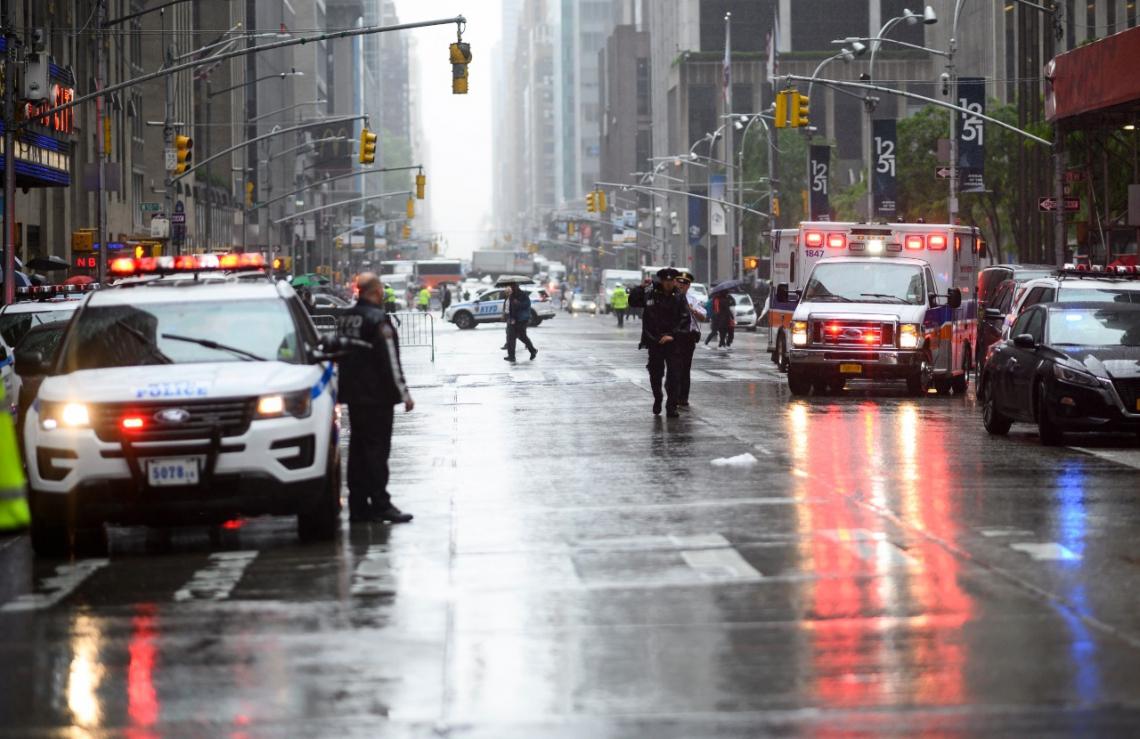 Piloto morre após pouso de emergência em NY