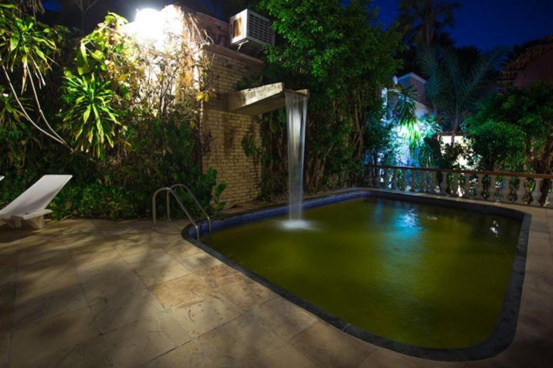 O Motel Chalex tem até piscina nas suítes