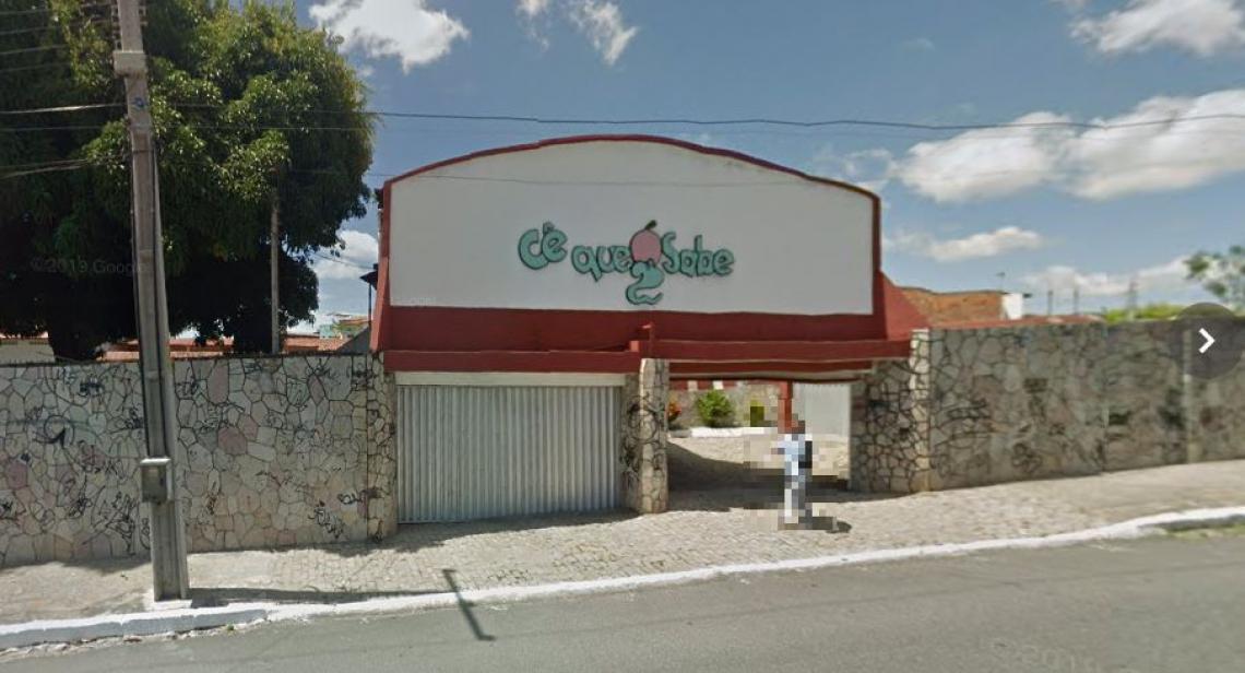 O motel fica na Barra do Ceará