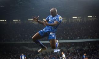 Sassá será o atacante do Cruzeiro contra o Fortaleza