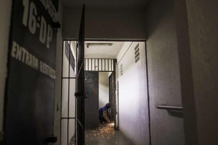A Polícia Civil e o Sindicato dos Policiais Civis do Ceará (Sinpol) pretendem desativar, também, os xadrezes da Região Metropolitana e do interior do Estado