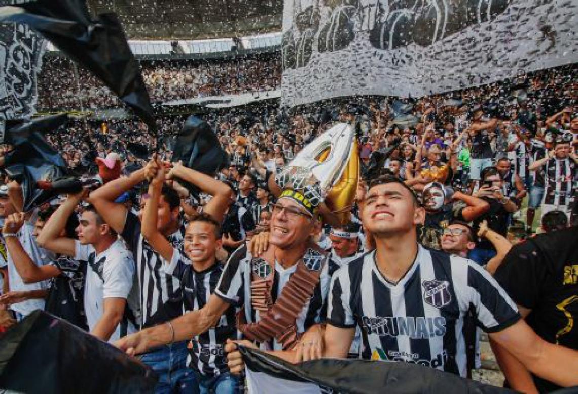 Torcida do Ceará deve comparecer em bom número contra o Corinthians nesta quarta-feira, 4