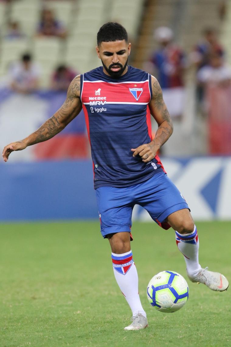 Após ficar de fora do jogo contra o São Paulo, Romarinho deve voltar ao time titular