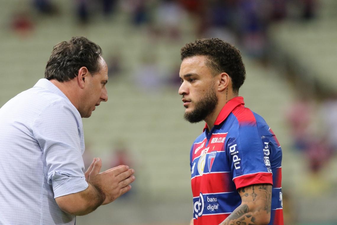 André Luis fez os gols da vitória tricolor; Rogério Ceni foi adversário em 2006