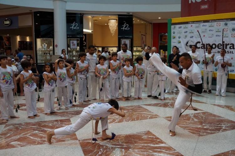 O festival termina com a roda de Capoeira