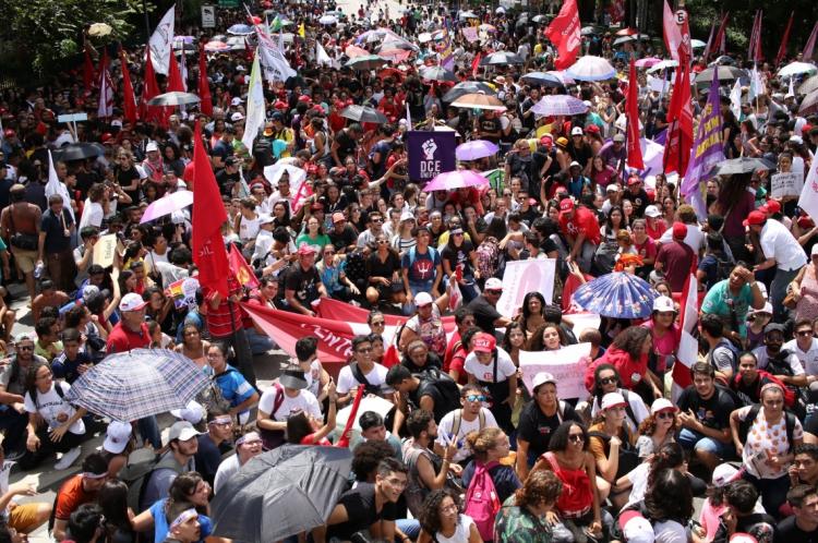 GOVERNO Bolsonaro já foi alvo de dois grandes protestos este ano contra cortes na educação