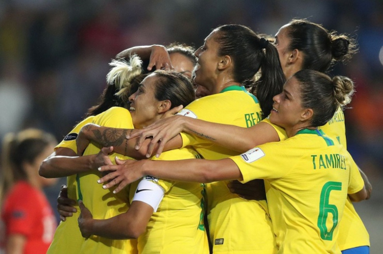 Seleção feminina vem mobilizando a torcida brasileira