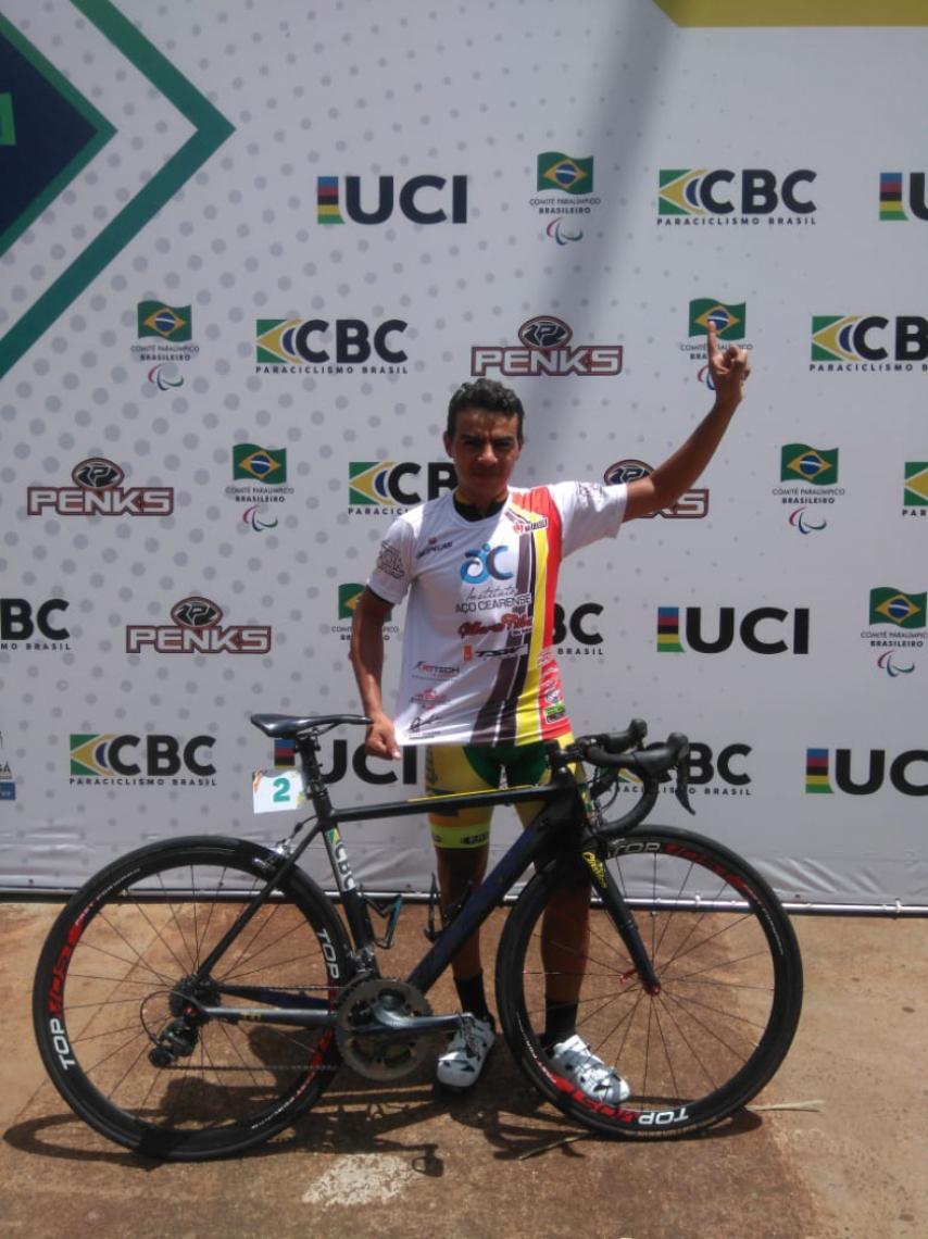Gilberto Silva e sua inseparável bike