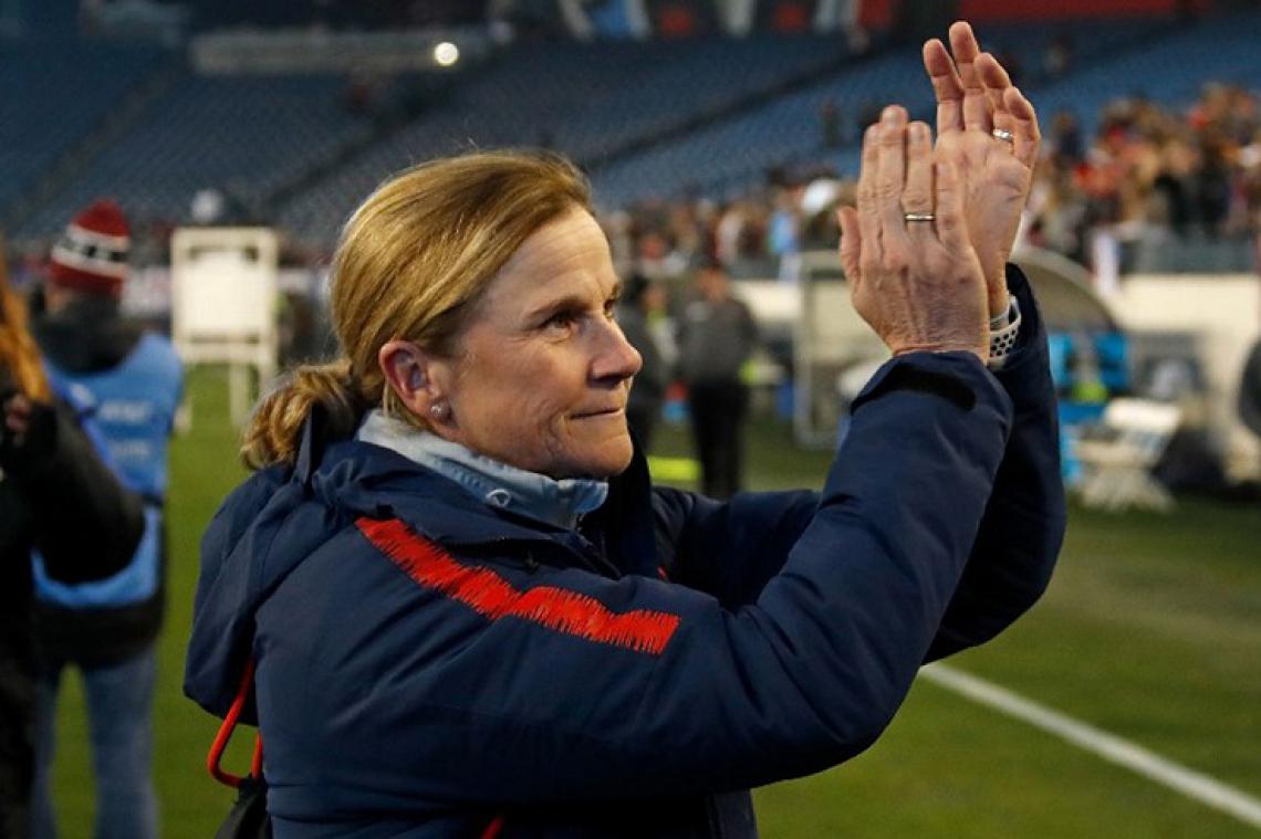 Jill Ellis é britânica, mas só começou a jogar futebol depois que sua família se mudou para os Estados Unidos.