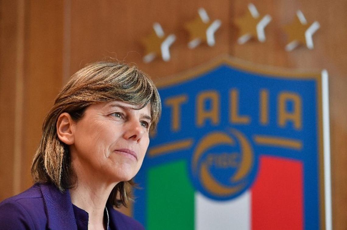 Durante 15 anos, atuou no futebol italiano como zagueira e se aposentou em 2001.