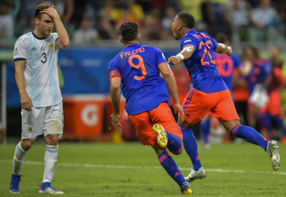 Colombianos fizeram 2 a 0 nos argentinos