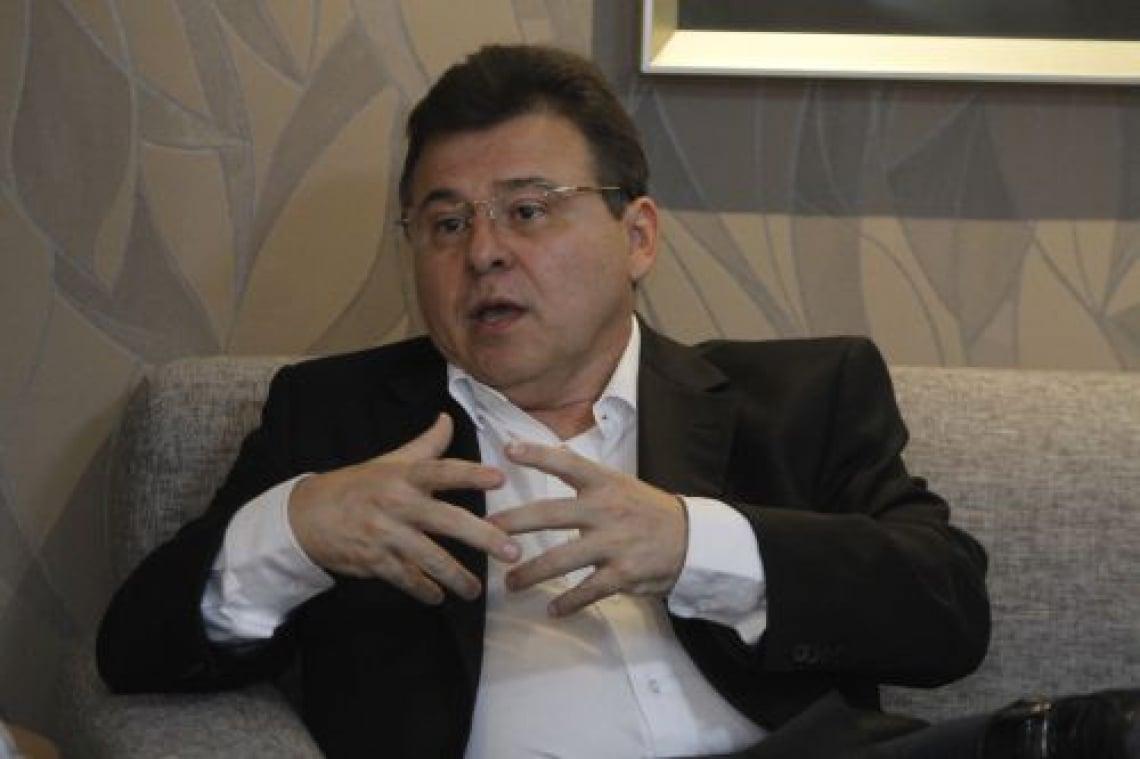 Robinson de Castro reforçou que prioridade é busca por goleiro e atacante.
