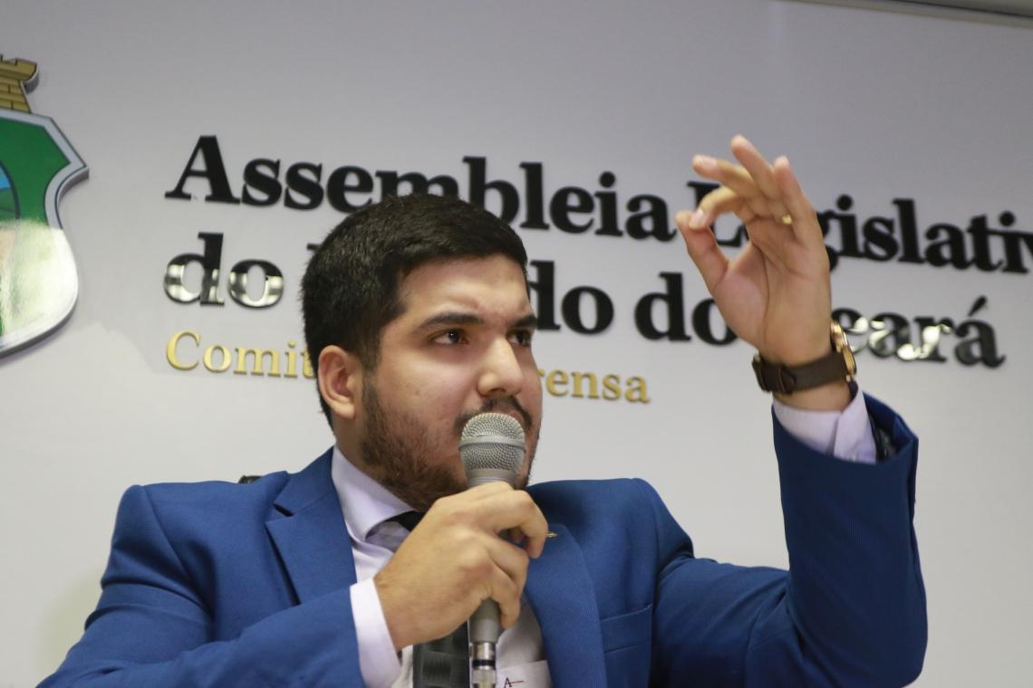 FORTALEZA,CE,BRASIL,24.06.2019: André Fernandes, deputado estadual, em coletiva na Assembleia Legislativa. (fotos: Tatiana Fortes/ O POVO)