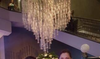 Cirurgião plástico Isaac Furtado e a esposa Sheila, no Palácio Tangará, São Paulo. Único hotel cinco estrelas do Brasil
