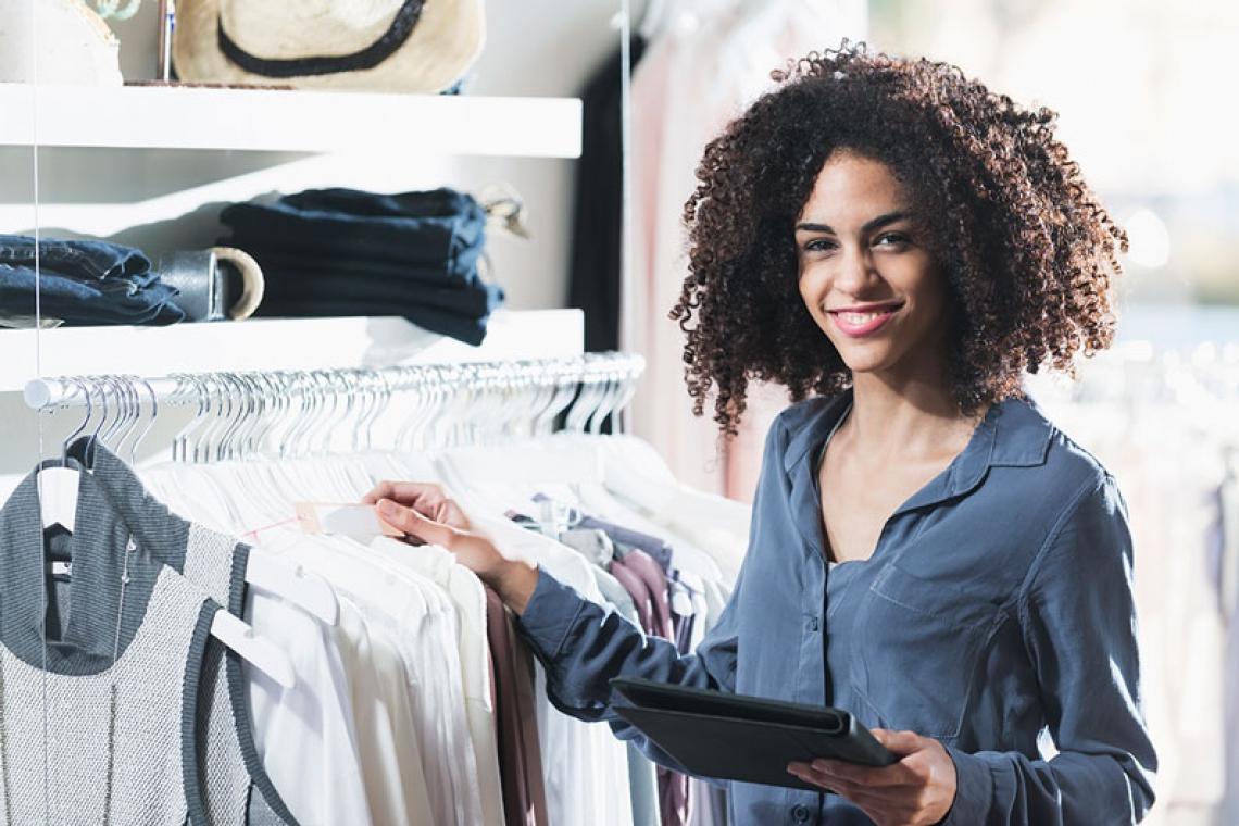 Mais chance de aumento salarial e mais oportunidades de crescimento profissional são benefícios da capacitação. (Foto: kali9/Getty Images)