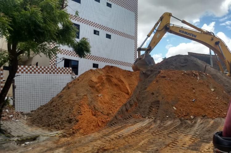 Maquinário já foi conduzido para o local nessa quinta-feira, 27.
