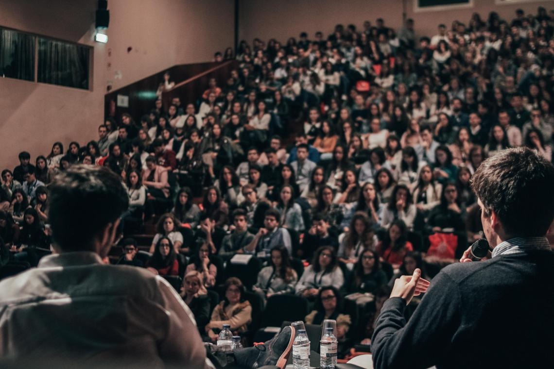 Programação com palestras e mesas de debate são na programação do evento