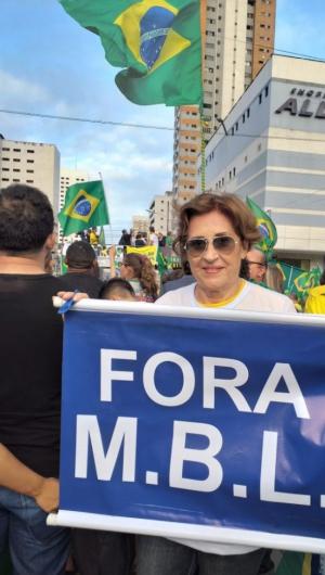 Manifestantes pediam a saída do MBL,em Fortaleza