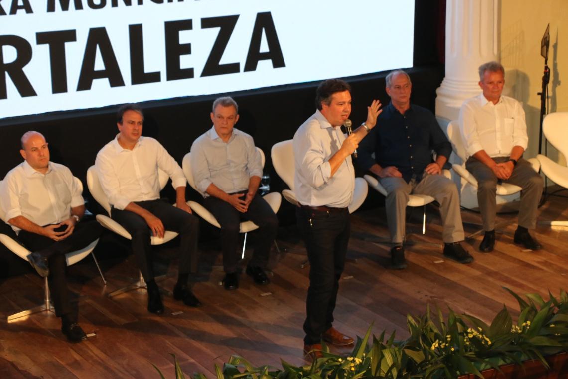 Samuel Dias comandou a apresentação