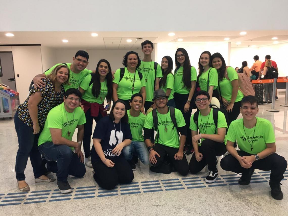 Estudantes do Colégio Shalom que foram em missão para a Ilha de Chaves