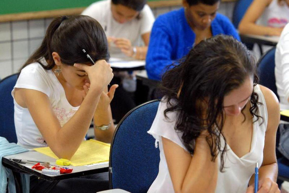 Ao todo, 128 mil estudantes que contrataram o Fies a partir de janeiro de 2018 devem fazer o procedimento