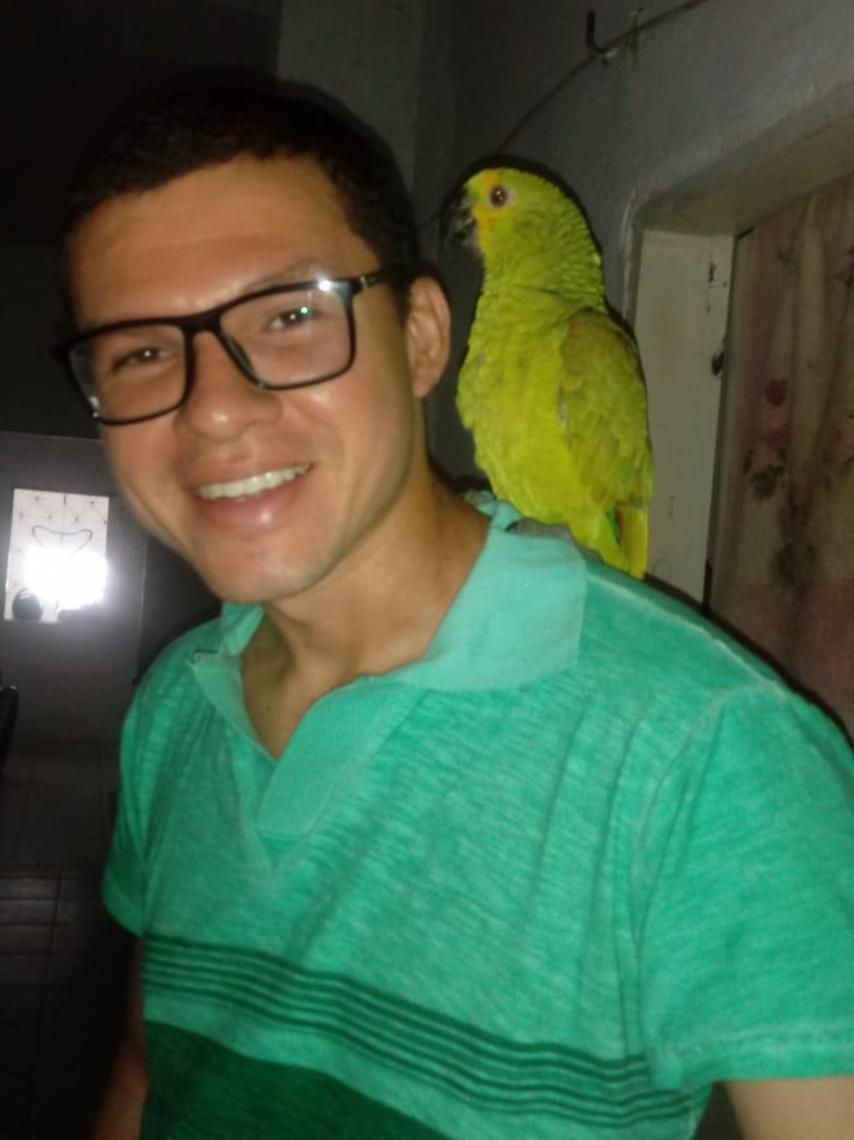 Francisco Thiago Vieira Xavier tem 32 anos e está desaparecido desde a manhã de ontem, 4 de julho