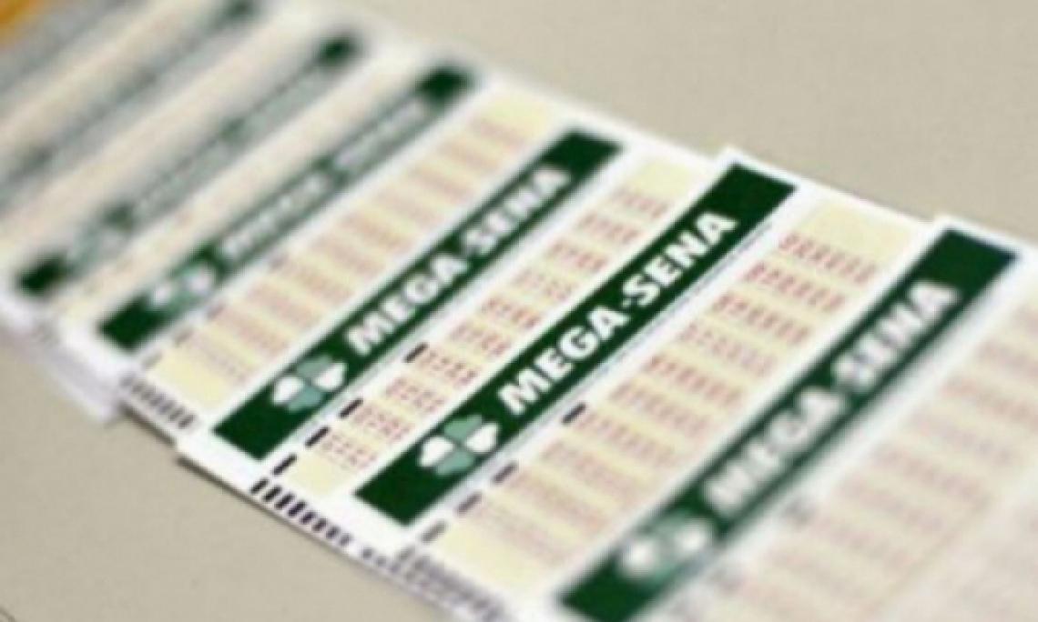 O sorteio da Mega Sena Concurso 2166 ocorrerá na noite de hoje, sábado, 6 de julho (06/07).