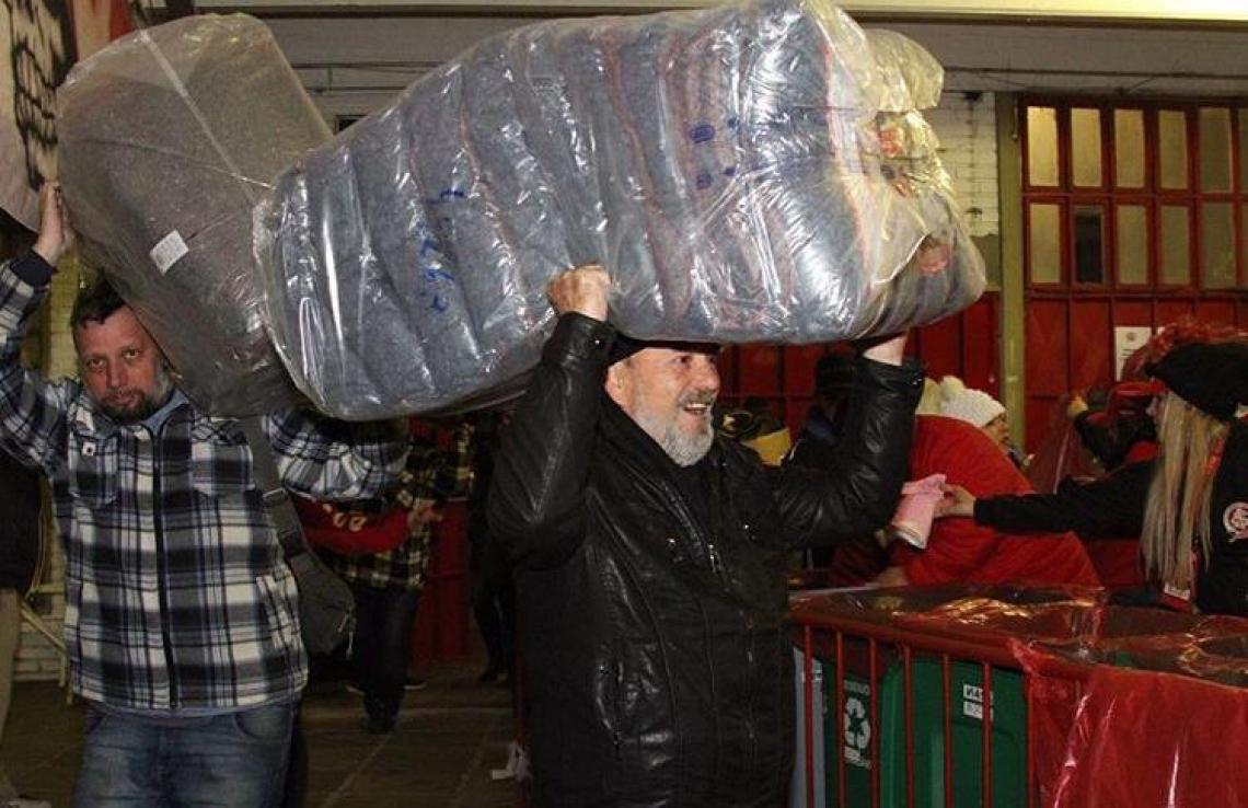 Ao todo, foram arrecadados dois mil cobertores, 50 mil peças de roupa e sete toneladas de alimento