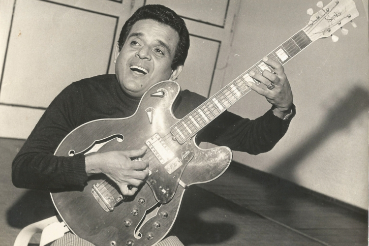 Evaldo Gouveia compôs canções que foram interpretadas pelos maiores cantores do País (Foto de Zé Rosa, feita na década de 1970) (Foto: Zé Rosa / 1970)