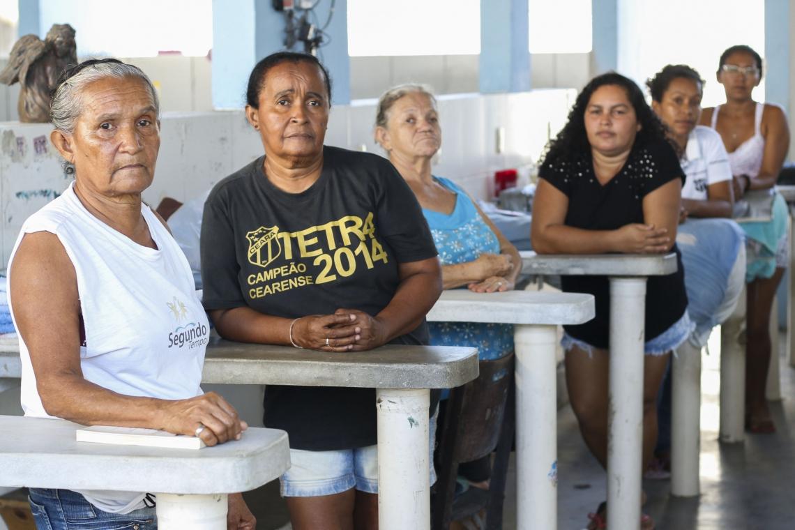 Grupo de mulheres temem fechamento de lavanderia comunitária no Joaquim Távora.