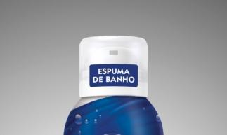 Silk Mousse Espumas de Banho (preço médio: R$ 21,80), da Nivea Com um formato inovador, une a limpeza do sabonete com a leveza e suavidade da espuma, é fácil de espalhar e proporciona a sensação de pele hidratada e sedosa após o uso. Disponível em três versões: CREME CARE, RASPBERRY e VANILLA.