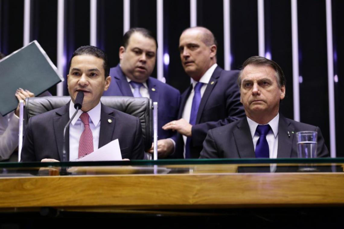 Vice-presidente da Câmara, Marcos Pereira (PRB-SP), e Bolsonaro durante sessão solene em homenagem aos 42 anos da Igreja Universal do Reino de Deus