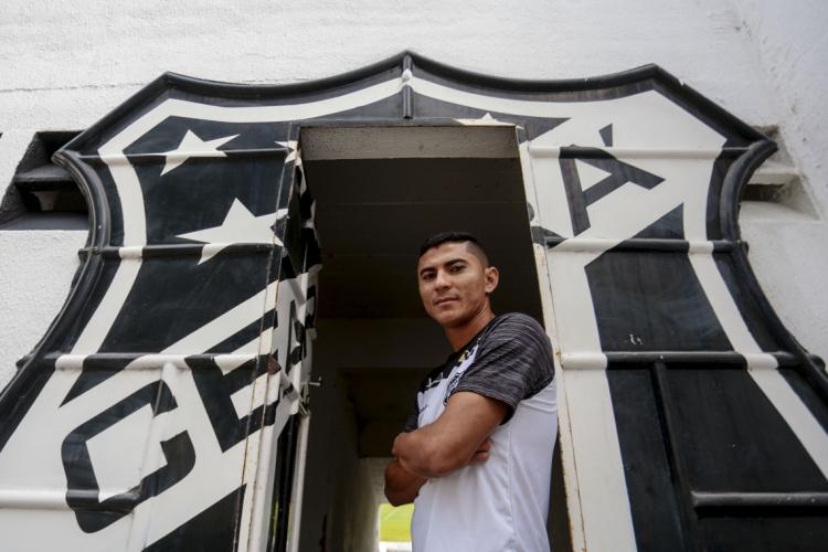 Juninho Quixadá jogou somente duas partidas em 2020 (Foto: AURELIO ALVES/OPOVO)