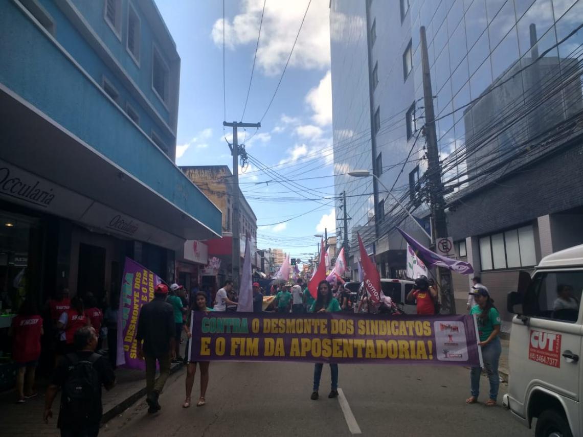 Manifestação começou por volta das 9 horas