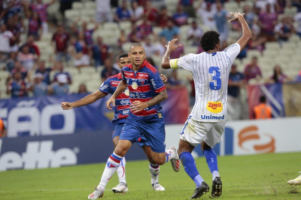 Wellington Paulista marcou o gol que abriu o placar no CASTELÃO.