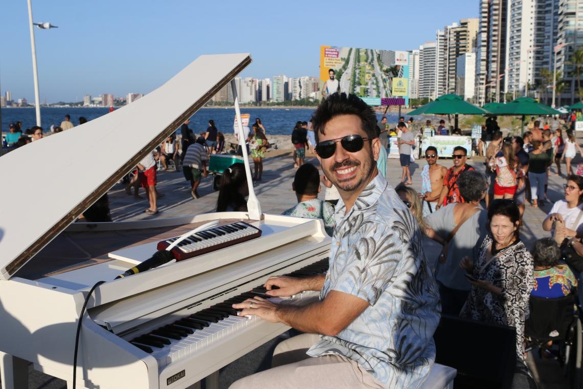 Projeto Pôr do Sol leva shows musicais no fim da tarde para a Praia de Iracema
