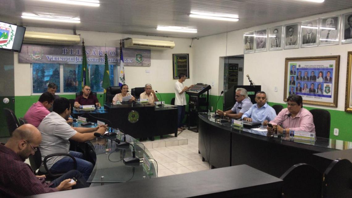 Vereadores no Plenário da Câmara de Uruburetama