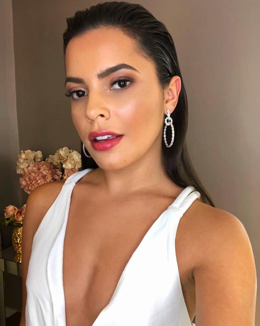 Ex-BBB Mayla Araújo desabafa sobre briga em balada.
