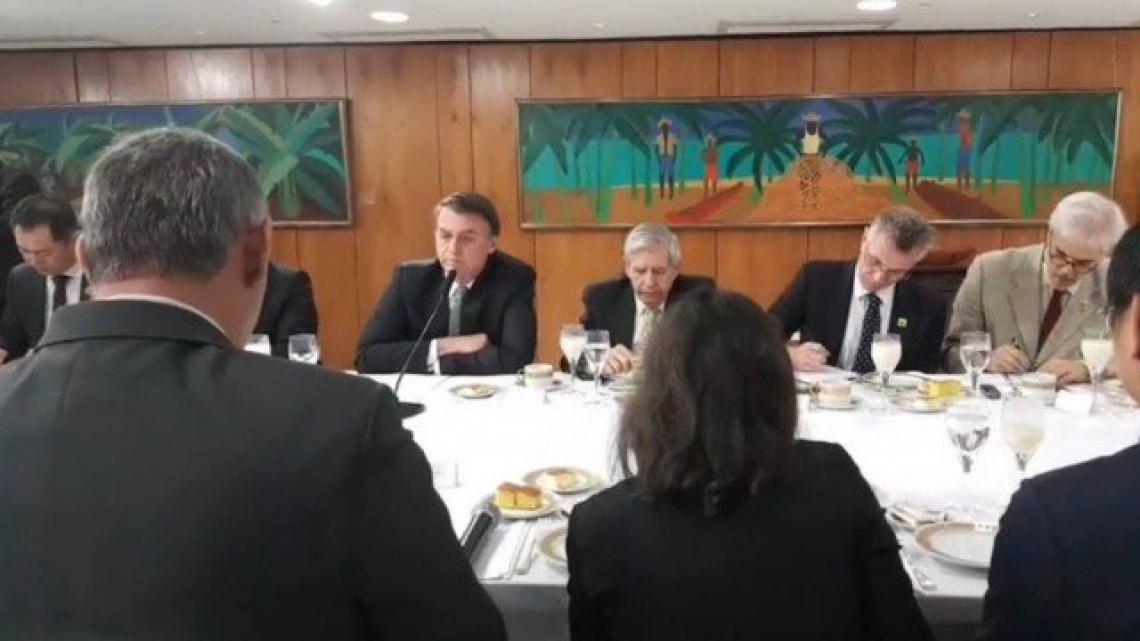 Bolsonaro recebeu correspondentes internacionais nesta manhã