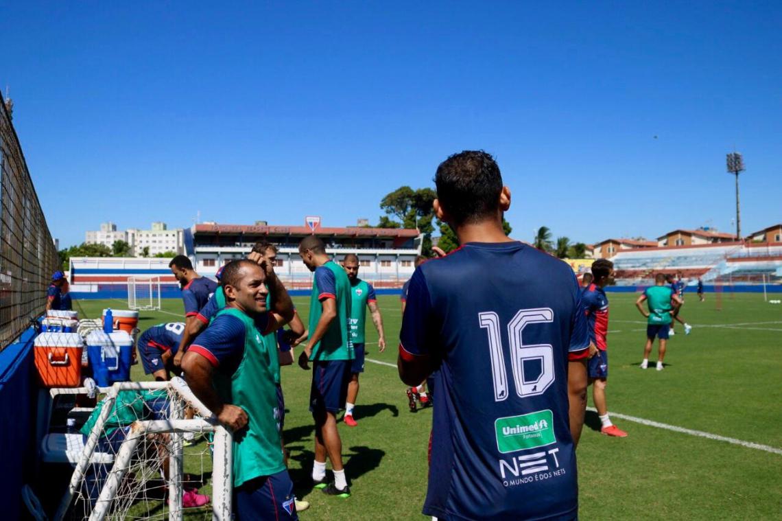 Na volta ao Pici, Edinho treinou com o elenco, mas não poderá jogar contra o Atlético-MG, por força de contrato.