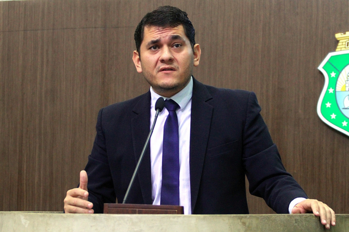 Ambos parlamentares disputam votos na região dos Inhamuns