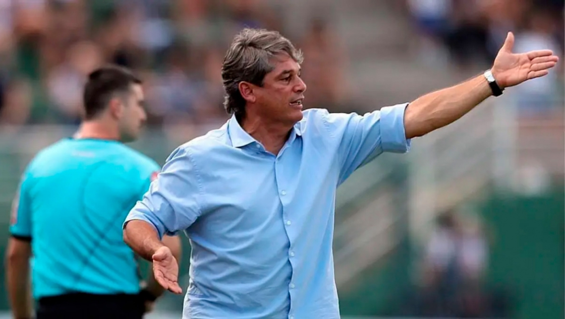 Marcelo Veiga não conseguiu vencer no comando do Tubarão