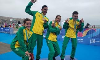 Os dois primeiros da esquerda para a direita, Vitória e Manoel fizeram a diferença para o Brasil na prova.