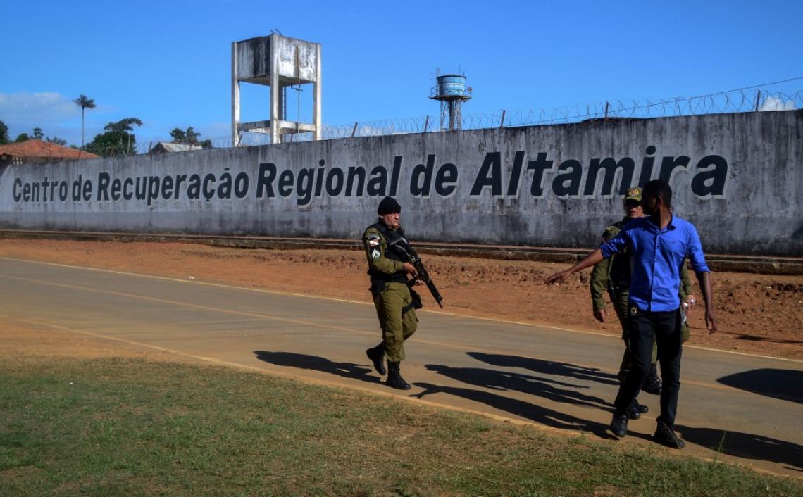 Os presos foram mortos durante confronto entre integrantes de facções no presídio