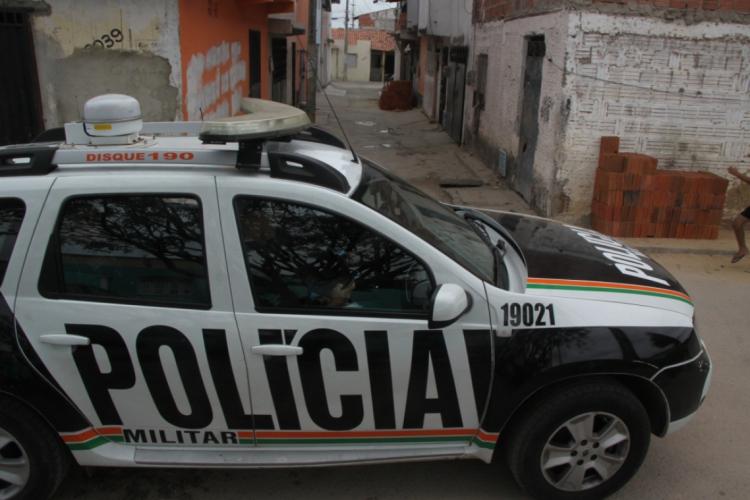 Casal foi salvo em intervenção da Polícia Militar (Foto: Mauri Melo/O POVO)