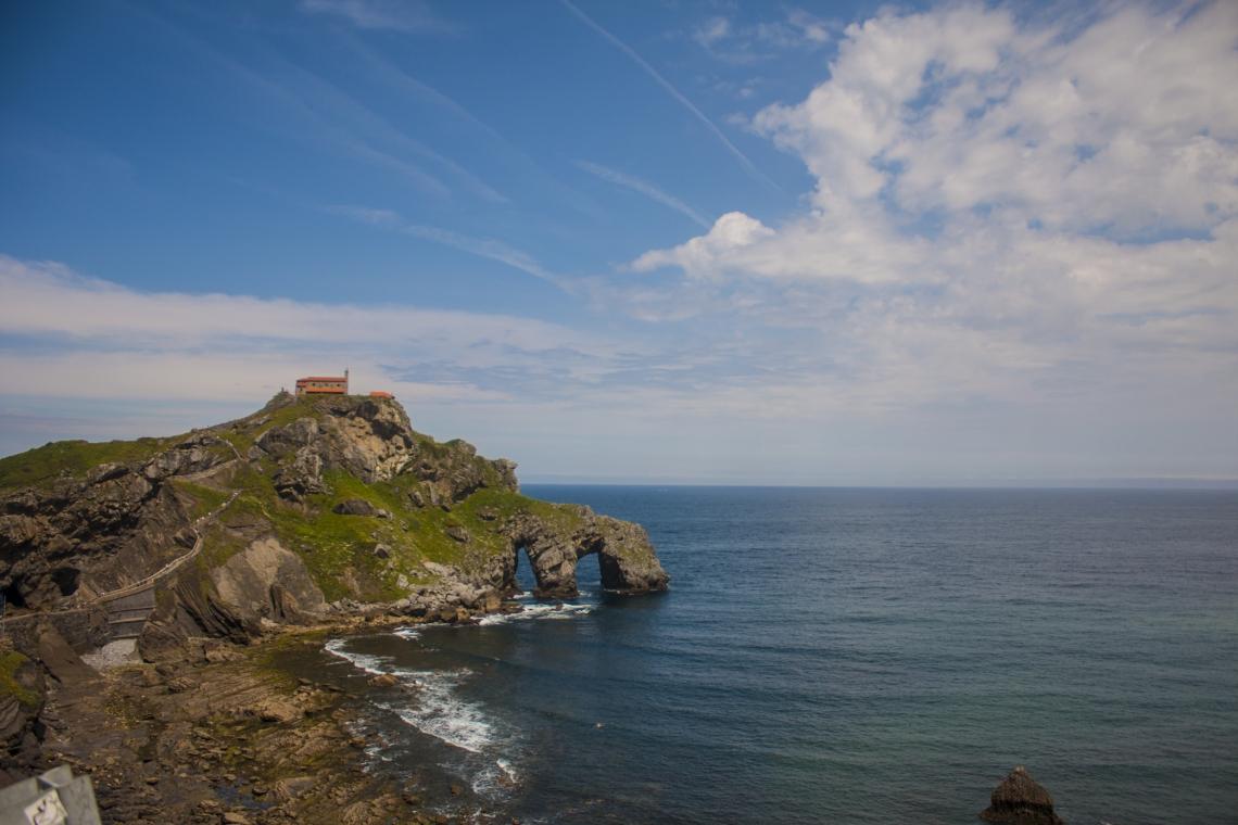 San Juan de Gaztelugatxe fica a cerca de uma hora de Bilbau
