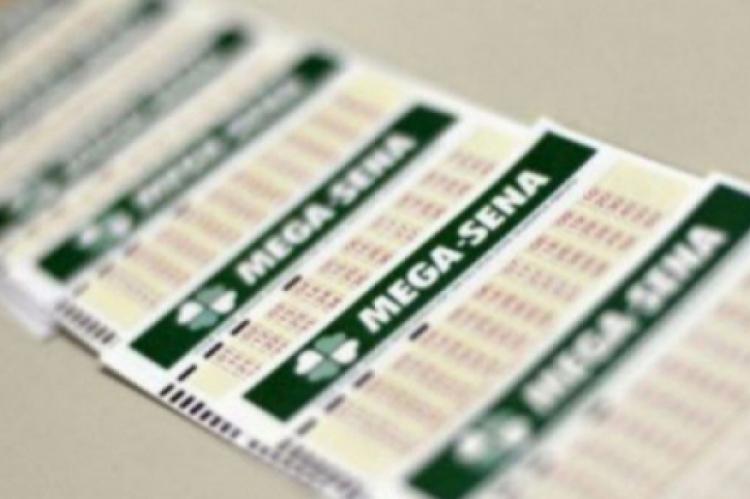 O sorteio da Mega Sena Concurso 2175 ocorre na noite de hoje, sábado, 3 de agosto (03/08), por volta das 20 horas.